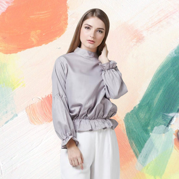 Meet Miroirs with their volume sleeves blouse