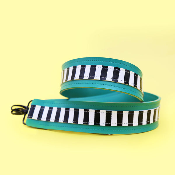 SIMPLY STRIPES GREEN STRAP - MANNEQUIN PLASTIC
