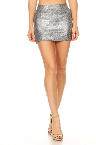 Metallic faux leather mini skirt in a fitted style, with a high waist, elastic waist, and side slits.