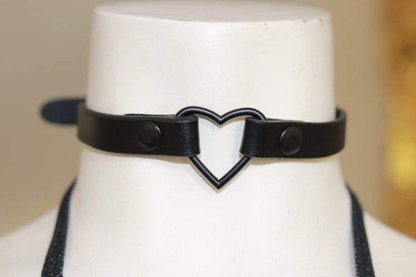 "1/2""  BLACK HEART CHOKER"