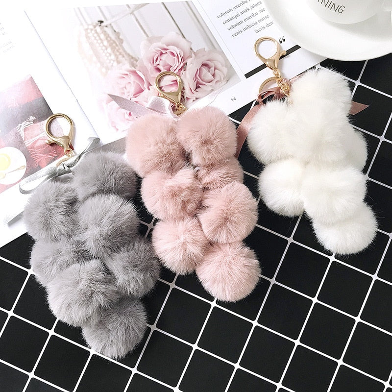 Fruit Ball Key Chain Faux Rabbit Fur Pompom Grape Keychain Women Bag Pendant Key Ring Keychain Car Decoration    Auto Accesorios