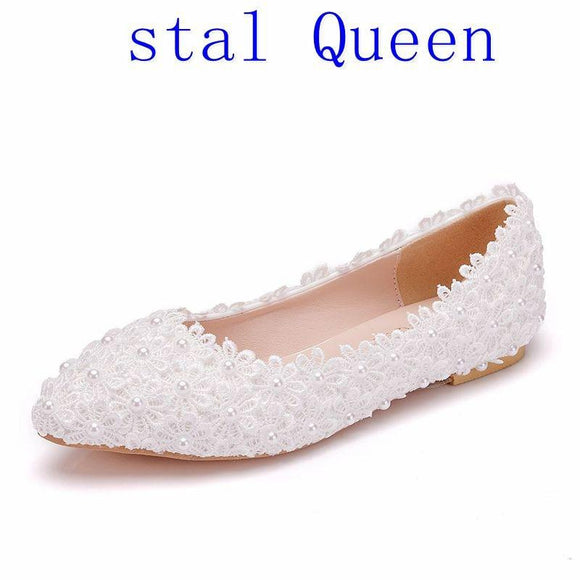 Crystal Queen White Lace Flower Wedding Shoes Woman Flat Heel Round Toe Slips Lady Wedding Dress Flats Shoes Big Size 43