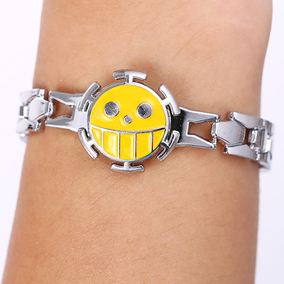 Hot Anime One Piece Alloy Bracelets can Rotate Trafalgar Law Logo Bracelet Cosplay Accessories Gifts for Kids HSIC10140