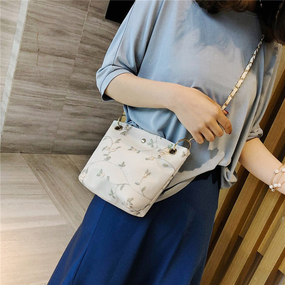 CONEED Women Beach Lace Flowers Embroid Handbag High Quality  PU Leather Bucket Bag Sweet Girl Square Bag Messenger Bag May20