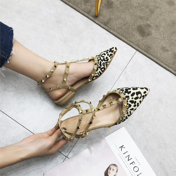 2020 New Spring Ankle Strap Women Flat Leopard Shoes T-strap Pointed Toe Rivet Flat Sandals Woman Party Dress Shoes