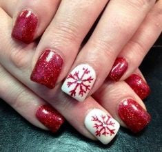 Cute snowflake Christmas nail ideas2