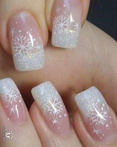 Cute snowflake Christmas nail ideas4