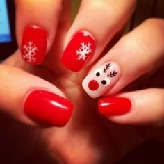 Cute snowflake Christmas nail ideas5