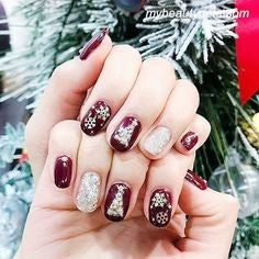 Christmas Nail Art With Snowflakes6