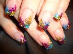 Feather Tricolor Nail Design