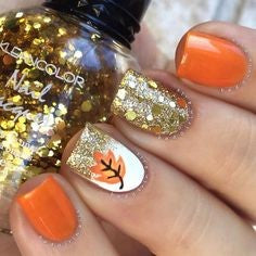 Golden autumn glitter thanksgiving nail design