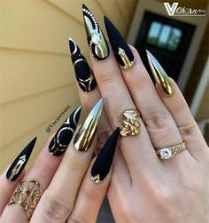 Black and Golden Stiletto Nail Designs