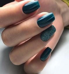 Green Metallic Nail Designs