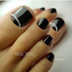 Black Jewelry Toe Nail Designs