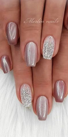 Metallic Glitter Winter Nail Designs
