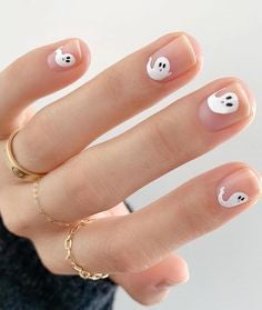 Cute Ghost Halloween Nail Design