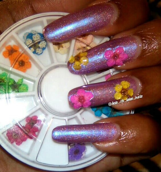 dried flower nail art