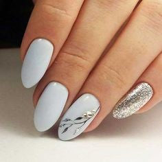 White and Sliver Glitter Oval Nail Design
