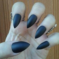 Short stiletto Nails-small and exquisite nail shape