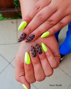 Light Yellow Leopard Nail Design