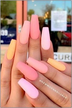 Summer warm Nail Color Idea