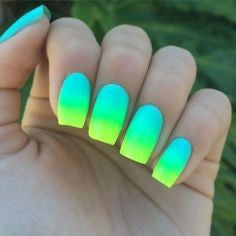 Beach Ombre Summer Nail Color Idea