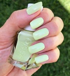 Light Yellow +Summer Nail Color Idea