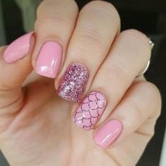 Sparkling pink mermaid nails