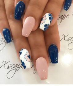 Blue ink painting flower nail art