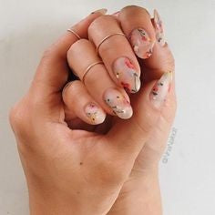 Floral Neutral Nail Design