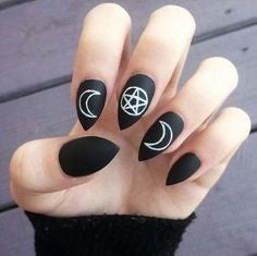 Short Stiletto Black Nail Design