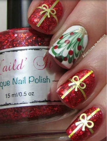 Surprise Christmas Nail Art Idea-1