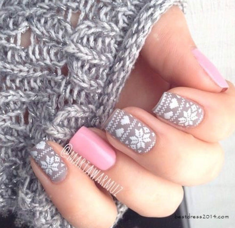 Surprise Christmas Nail Art Idea-4