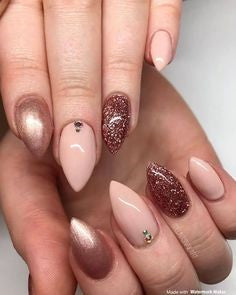 Glitter Mountain Peak Nail Idea