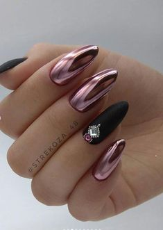 Metallic Mirror Oval Nail Design