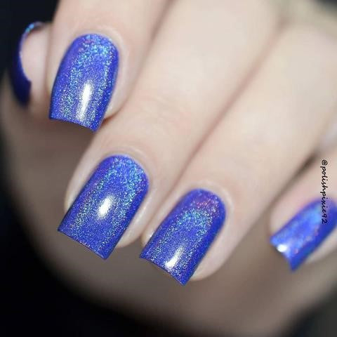 bule holographic nails