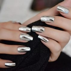 Metallic Mirror Nails-