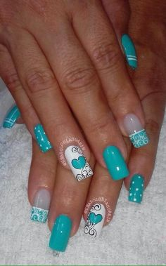 Green Valentine's Nail Art Idea