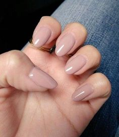 Nude Round Nail Design