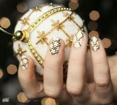 Golden Christmas Nails