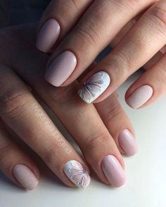 Flower delicate nail design