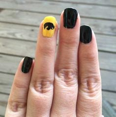Hawkeye Nail Designs-black and yellow Hawkeye Nail Designs-cute hawkeye