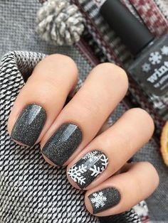 Mirror Chrome Grey Snowflake winter nail design