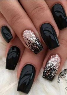Mirror black and glitter nail powder winter nail design