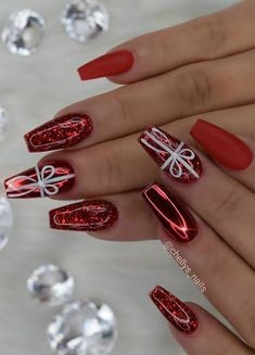 Cat Eyes Christmas gift Nail Art Design
