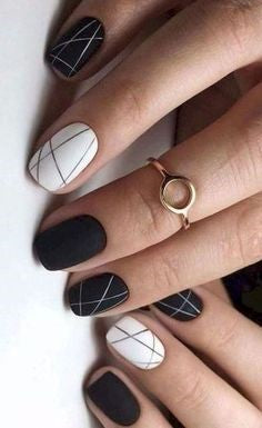Black and white line nail design