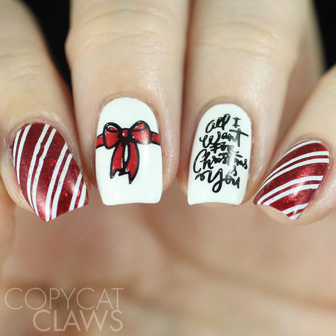 White Christmas Gift Nail Stamping Design