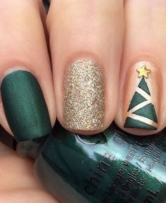 Simple Christmas green nail design