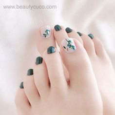 Green Autumn Toe Nail Design