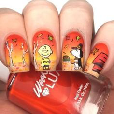 Snoopy Fall Nail Art Idea